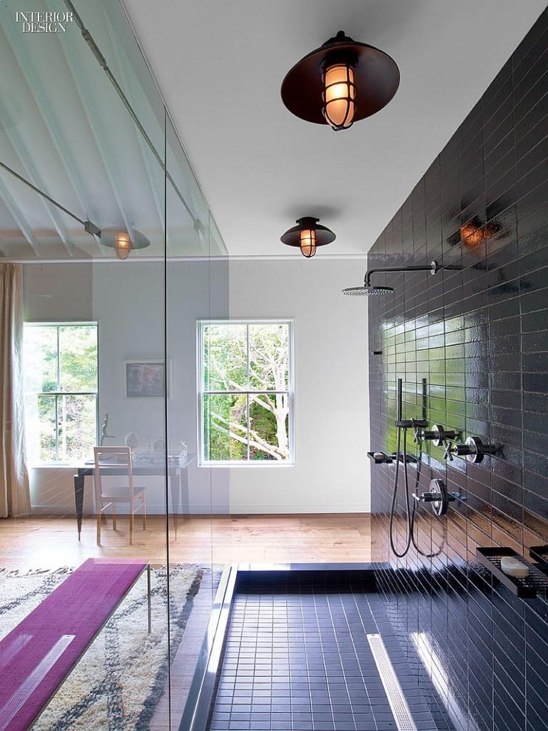 Camera de dus cu perete de sticla