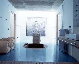 blue-floor-style-white-bathroom-inspiration