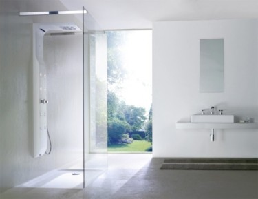 Gorgeous-Clean-Look-Cool-Bathroom-Design-Idea-With-Fabulous-Frameless-Shower-Cabin-590x455