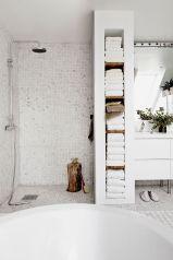 Ciment si mozaic baie