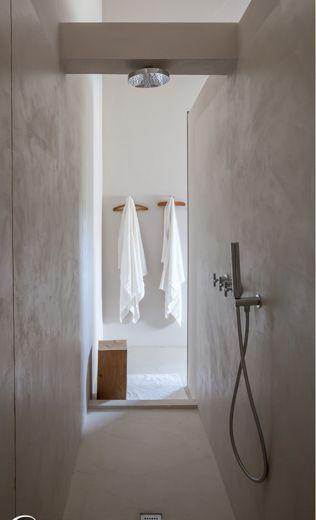 Spatiu de dus baie ciment