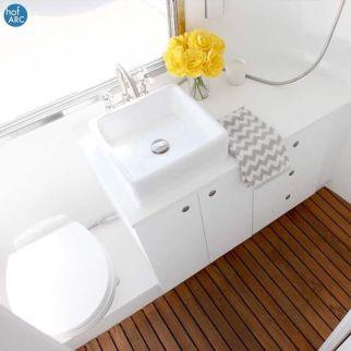 podea lemn baie