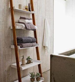 raft baie pentru prosoape scara