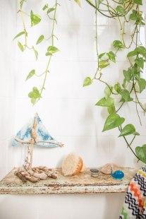 Baia, oaza de verdeață - Decorațiuni cu pothos auriu pentru baie