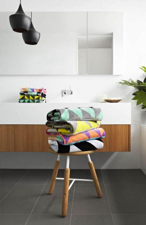 Textile design geometric scandiav pentru baie